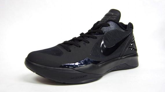 new style 71d02 dc376 Nike Zoom Hyperdunk 2011 Low Black Black-Metallic Silver 487638-004. VIA  SN